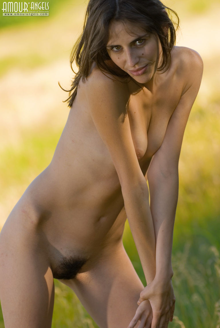 Can Real hair nude girl
